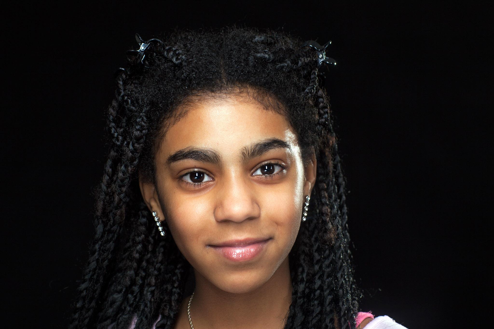 Portret meisje gemaakt in een fotostudio in Boxtel. Omgeving Den Bosch, Eindhoven, Tilburg.